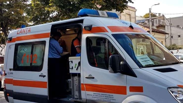 Oamenii mor pe capete la urgente ASTEPTAND (coltucsiasociatii.ro)
